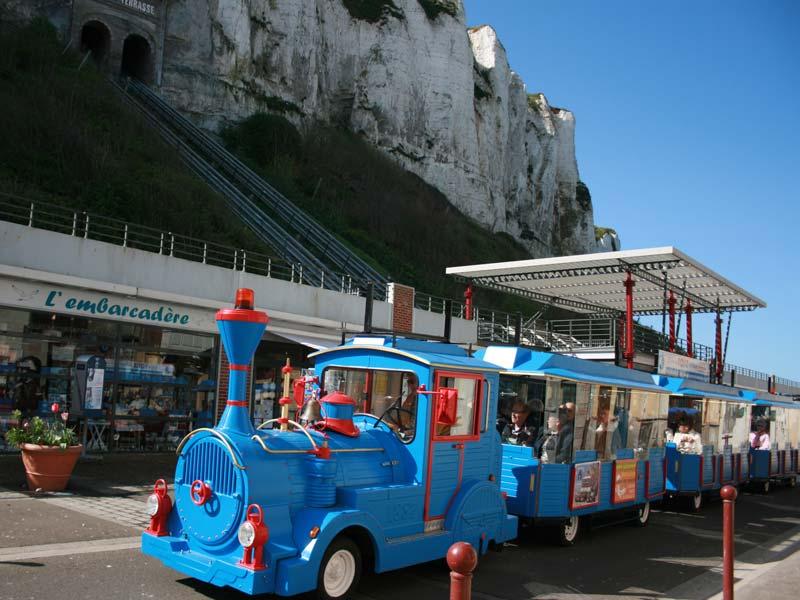 Le train touristique du tr port auberge de jeunesse du centre des fontaines - Office du tourisme du treport ...